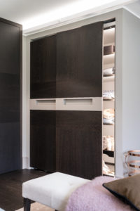Garderoben-Schrank