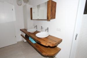 Waschtisch & Spiegelschrank