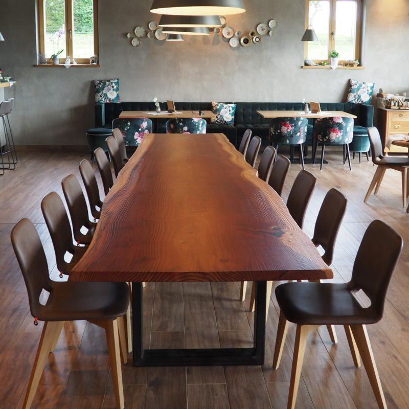 Hockete - Mammut-Tisch<br/> Mammut-Holz lackiert